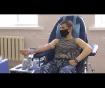 Доноры-милиционеры пополнили запасы крови / Здравствуйте
