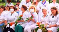 Спасибо людям в белых халатах